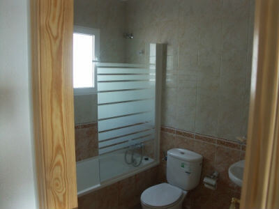 Stort-badeværelse