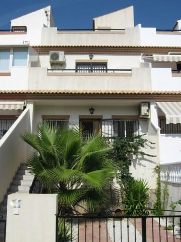 Fronten af huset