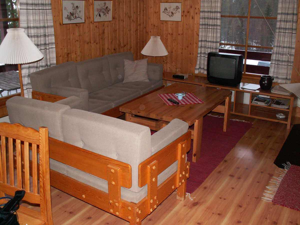 Cottage for hiking, fishing, swimming, ski-out ski-in