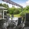 terrasse med solsejl