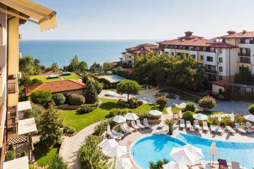 Ferielejlighed i 5-stjernet resort med havudsigt i Bulgarien med plads til 6 personer