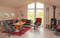 Lys og rummelig stue