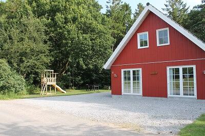 Hus med legeplads_Pernille